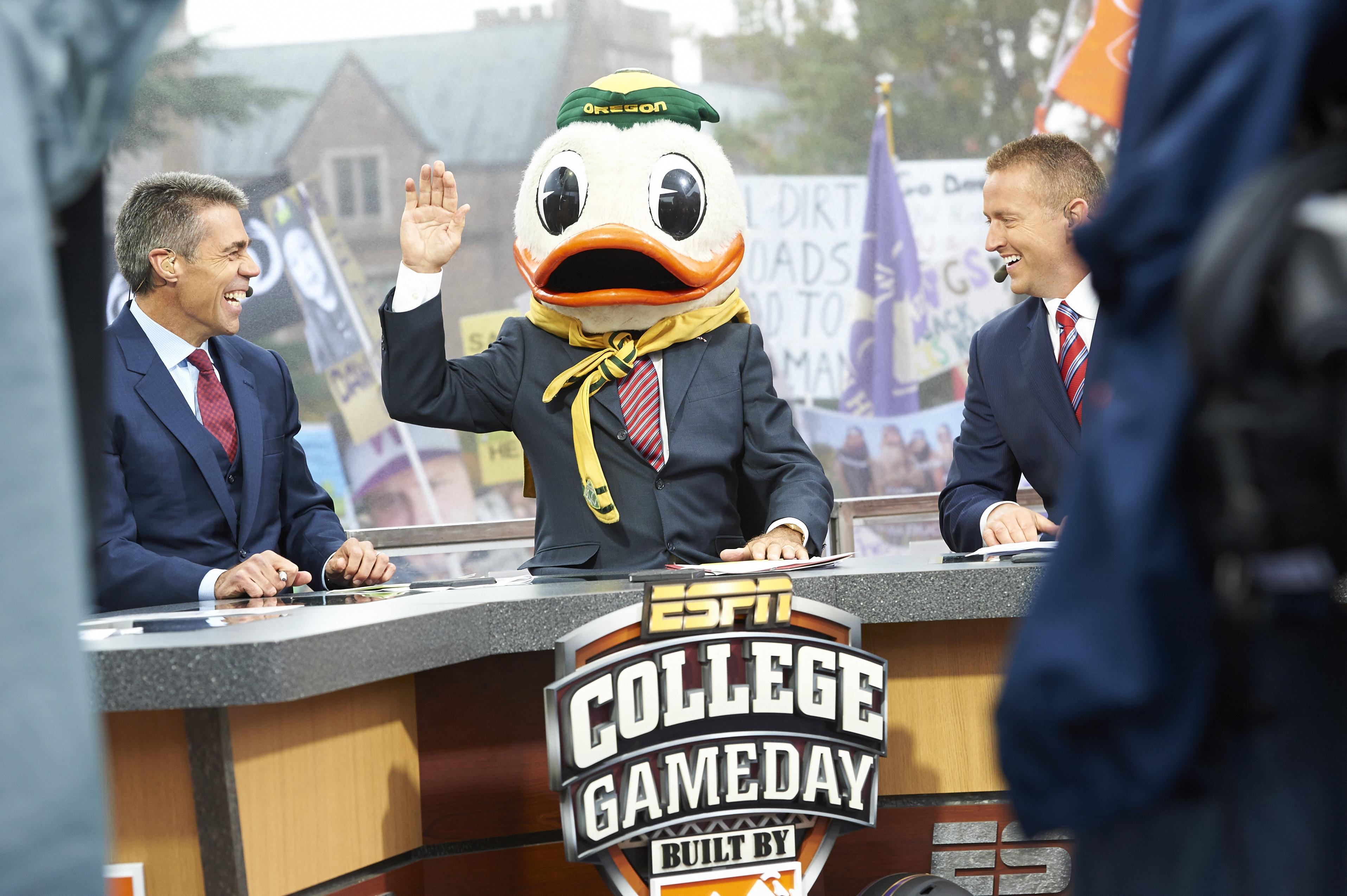 University of Washington vs University of Oregon