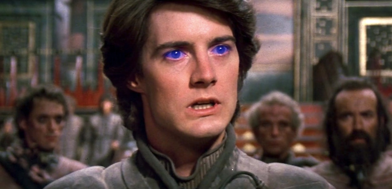 Paul in the 1984 Dune with glowing blue eyes