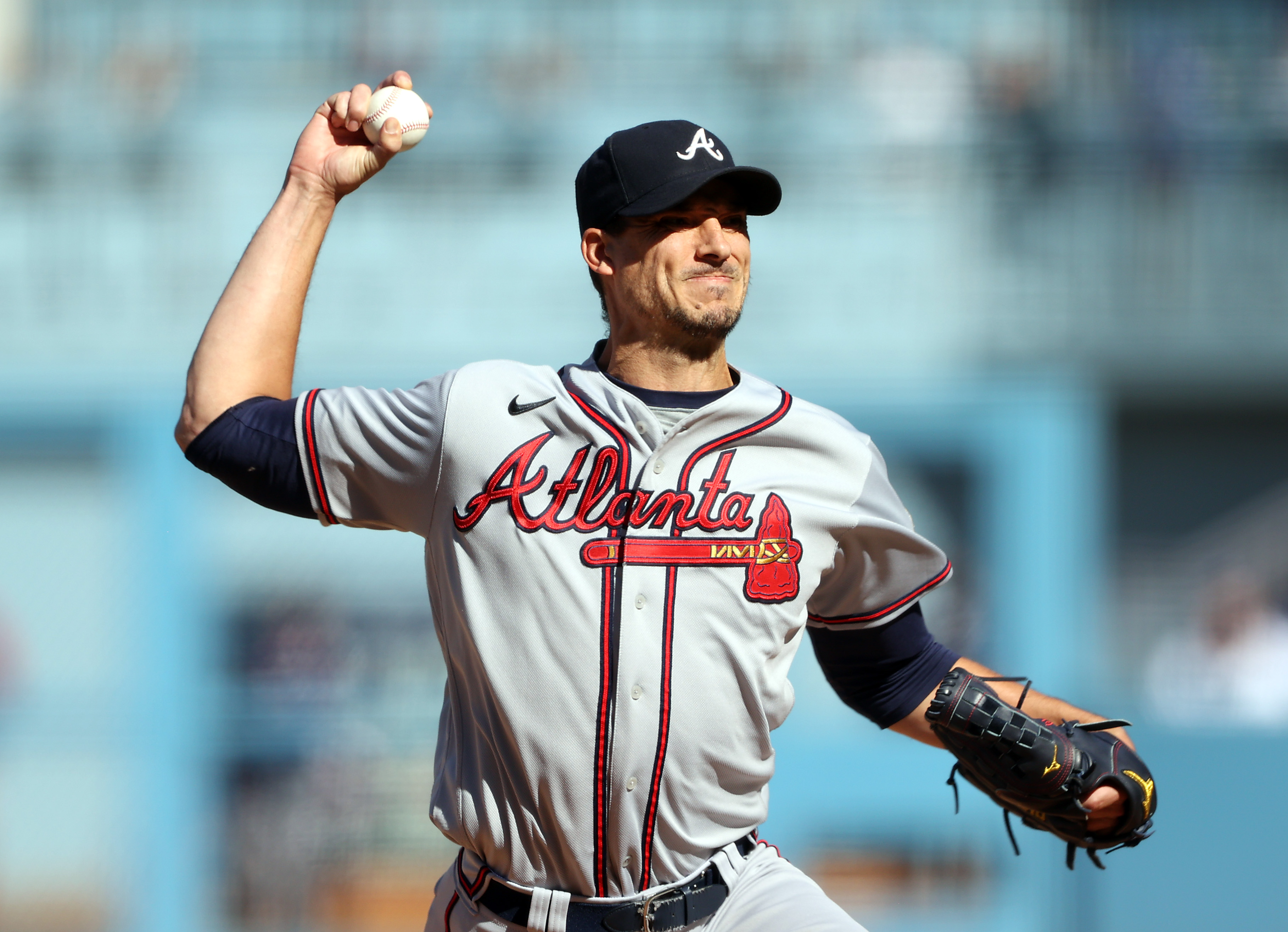 Starting pitcher Charlie Morton #50 of the Atlanta Braves pitches during the 1st inning of Game 3 of the National League Championship Series against the Los Angeles Dodgers at Dodger Stadium on October 19, 2021 in Los Angeles, California.