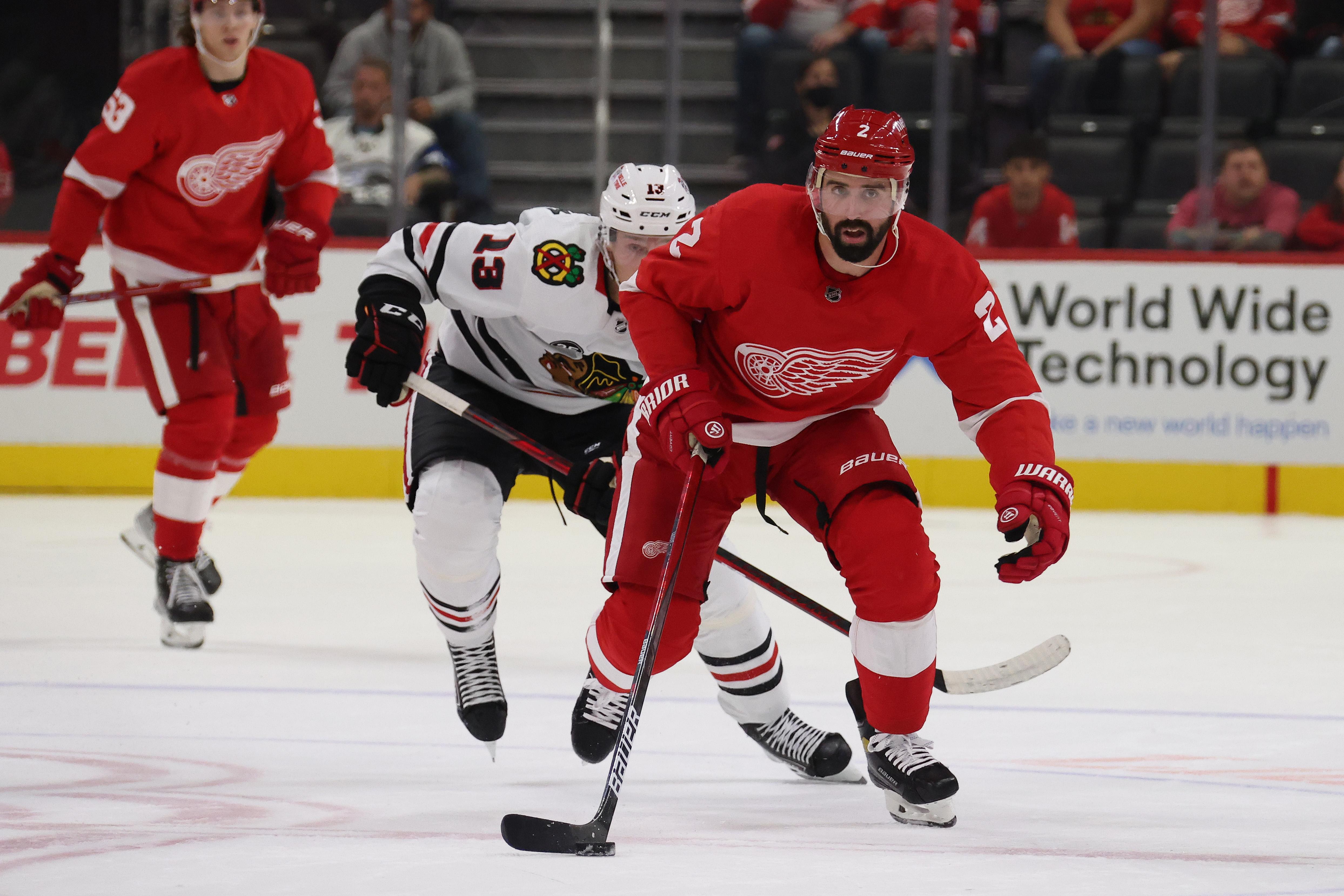 Chicago Blackhawks v Detroit Red Wings