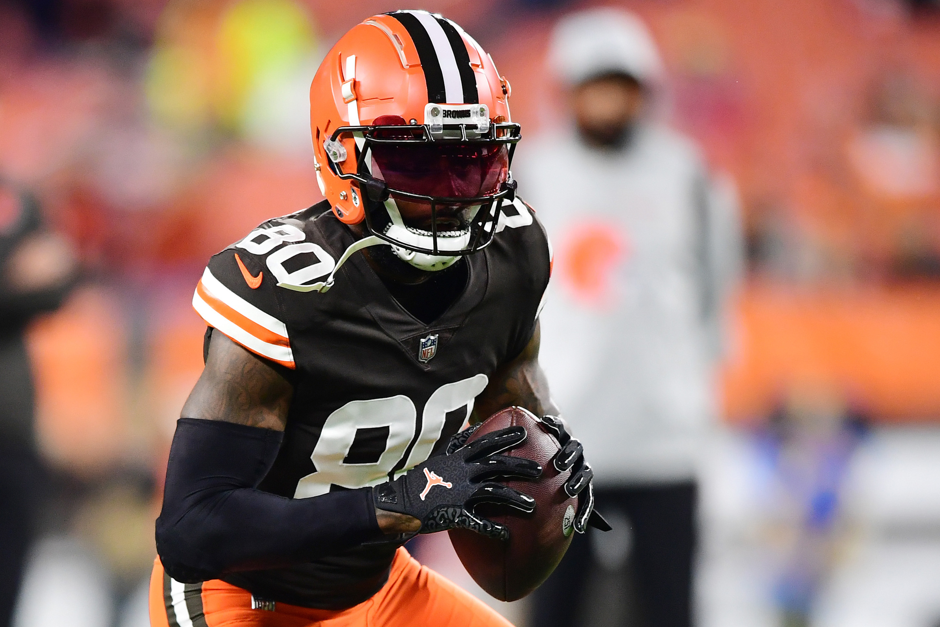 Jarvis Landry #80 of the Cleveland Browns warms up before a game against the Denver Broncos at FirstEnergy Stadium on October 21, 2021 in Cleveland, Ohio.