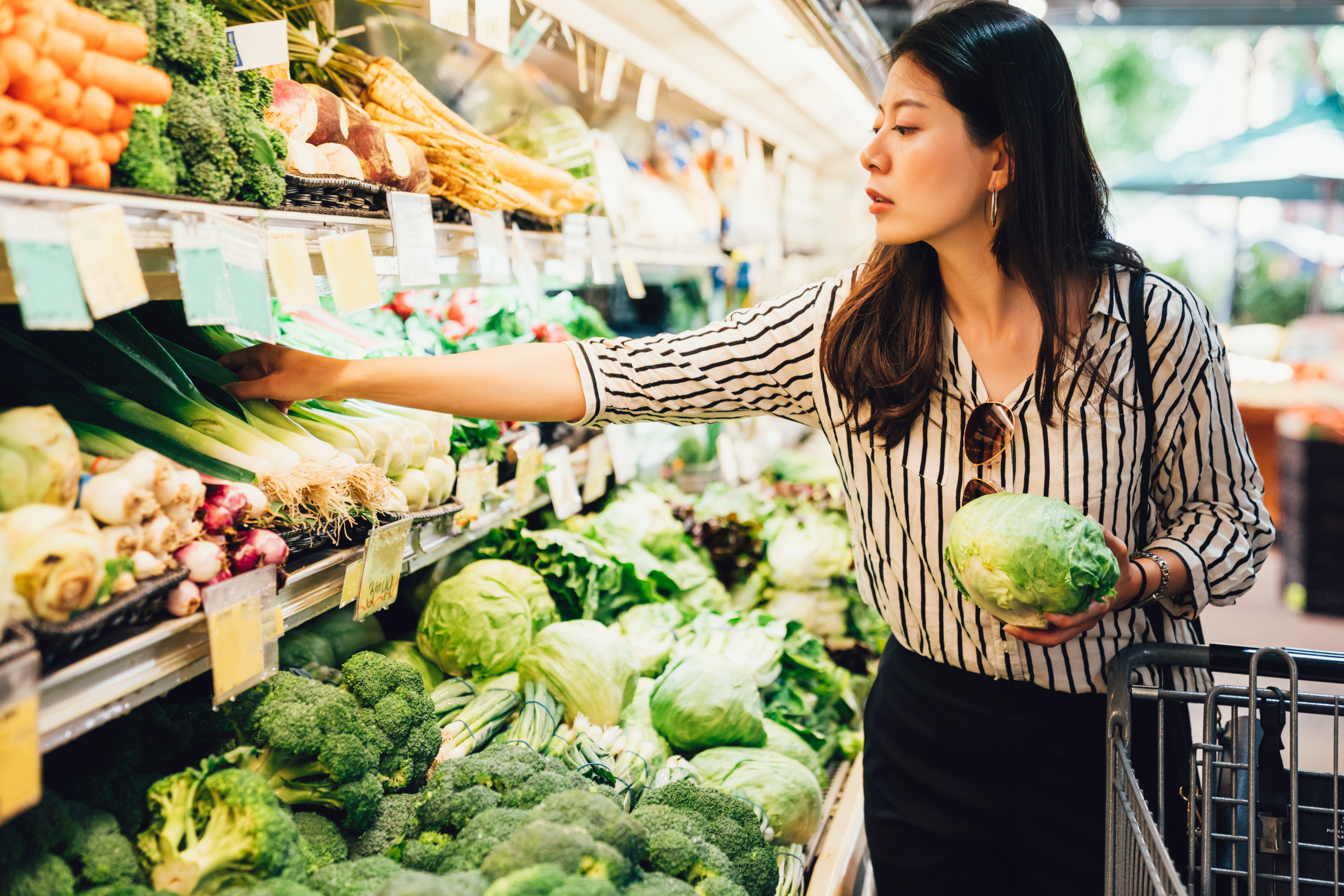 Shoppers are feeling the price hikes at the grocery store, particularly withcountless product shortagesandwidespread supply chain disruptions.