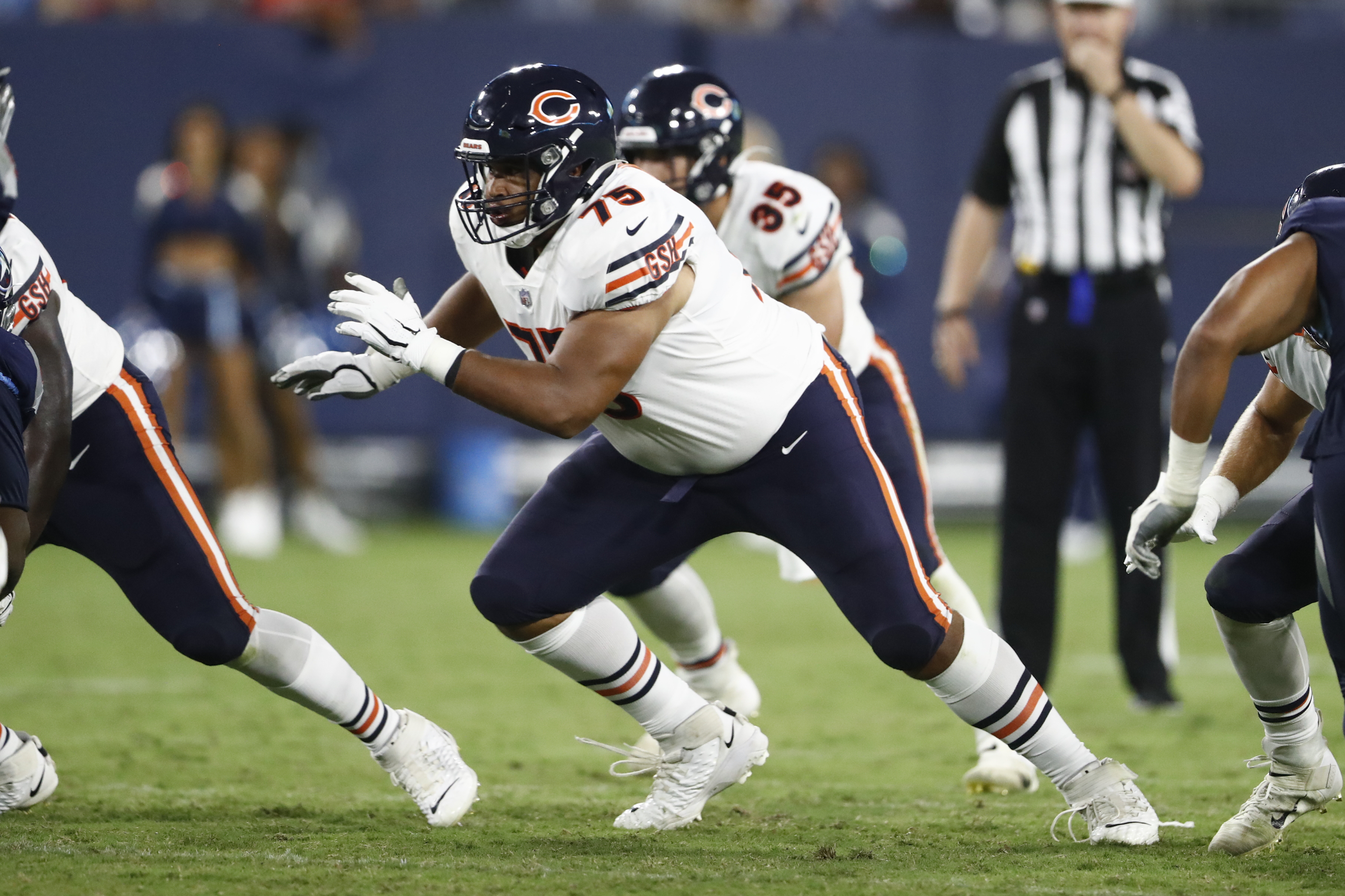 Rookie offensive lineman Larry Borom (75) played 15 snaps in the Bears' season opener against the Rams as a replacement for Jason Peters before suffering an ankle injury.