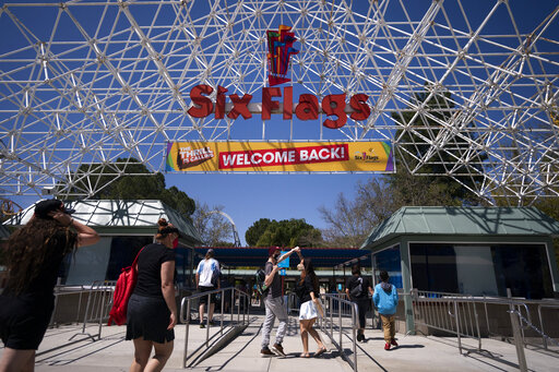 """The """"Welcome Back"""" sign at Six Flags Magic Mountain."""