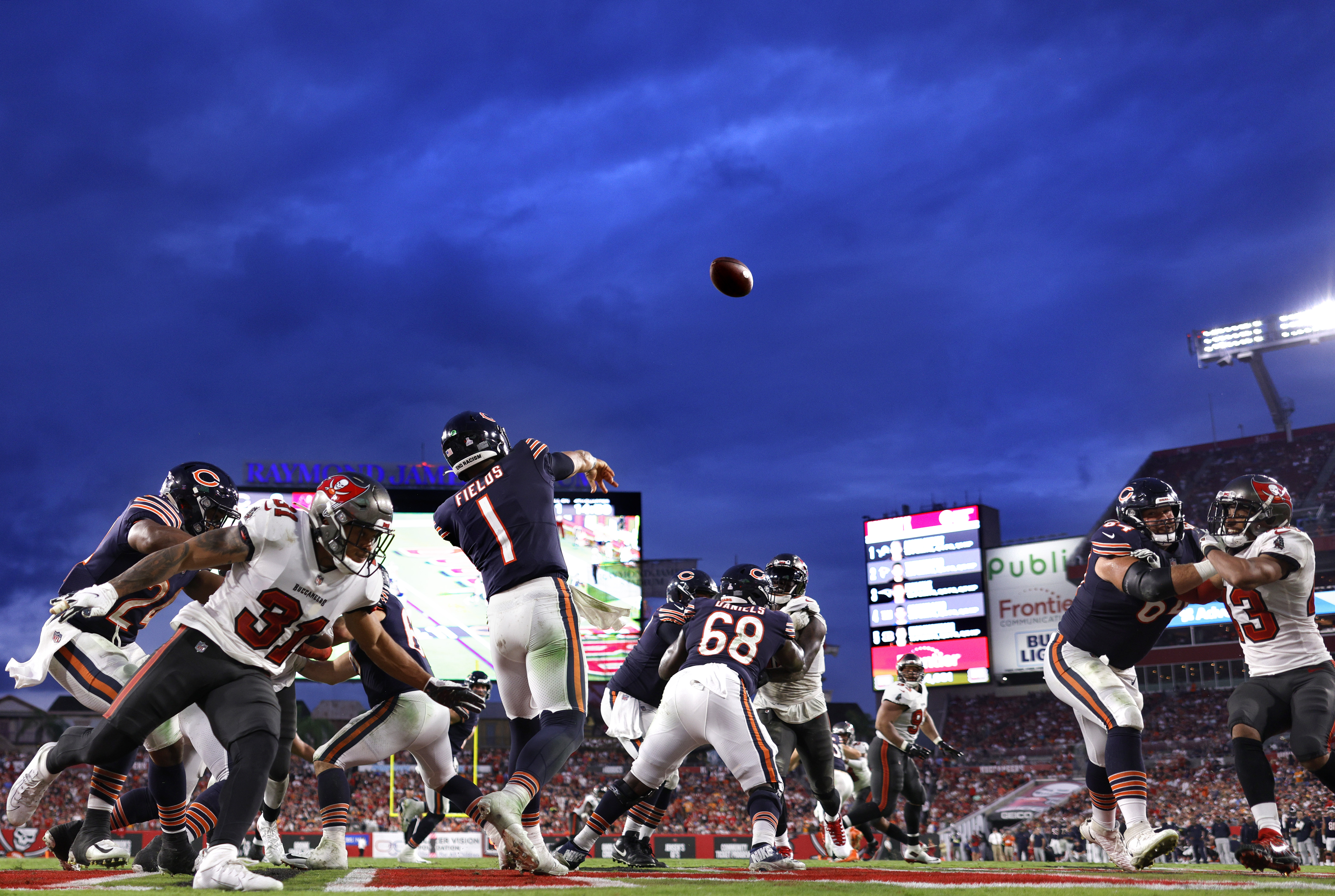 The Bears throw a pass Sunday against the Buccaneers.