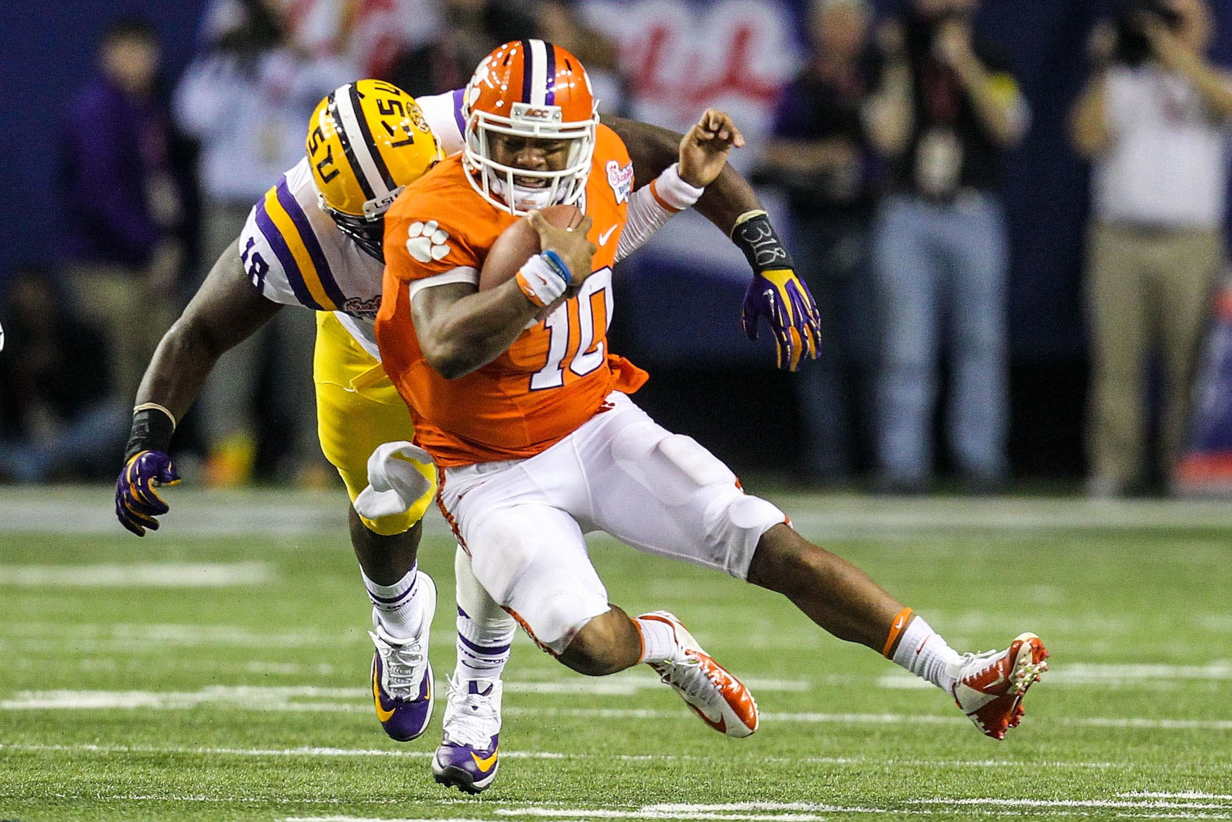 Tajh Boyd's numbers against GT and USC were markedly better than a certain someone last season.